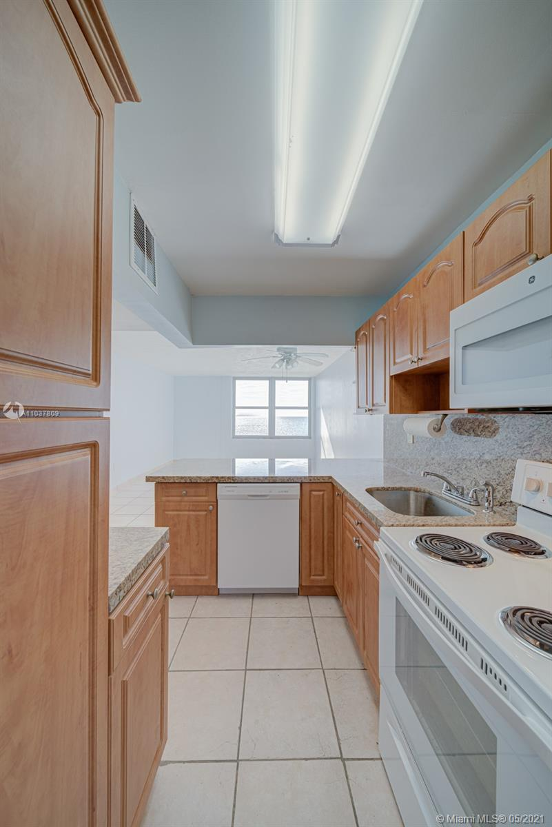 2899 Collins Ave #1043 photo08