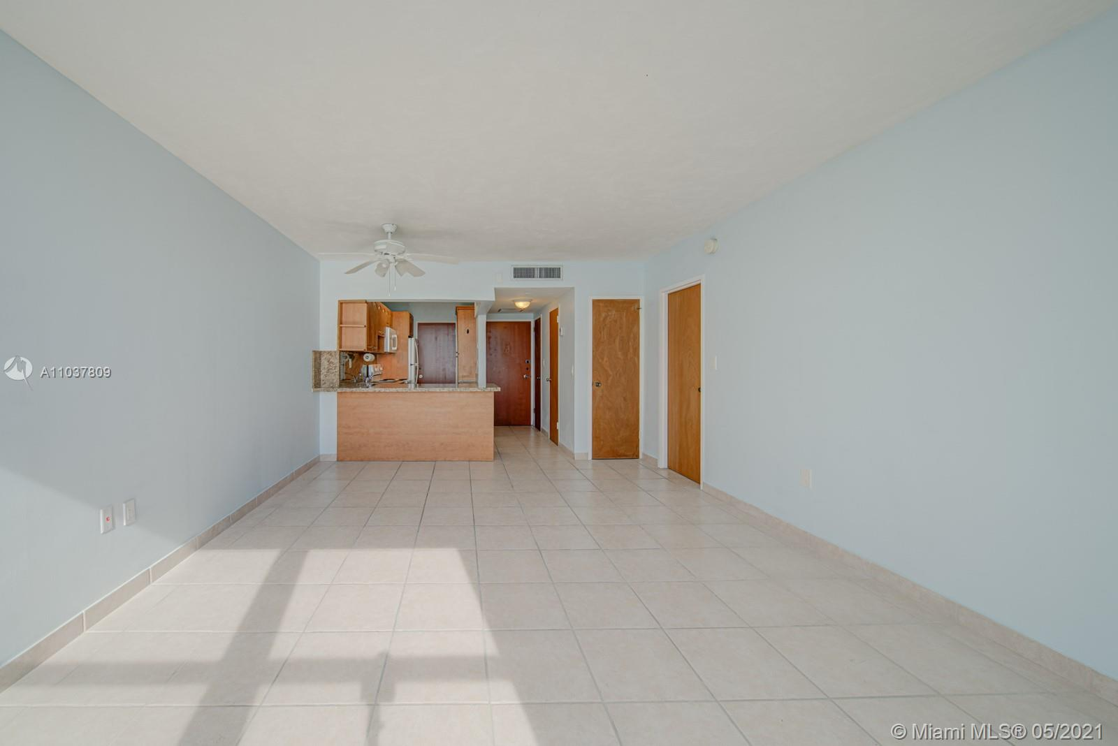 2899 Collins Ave #1043 photo021