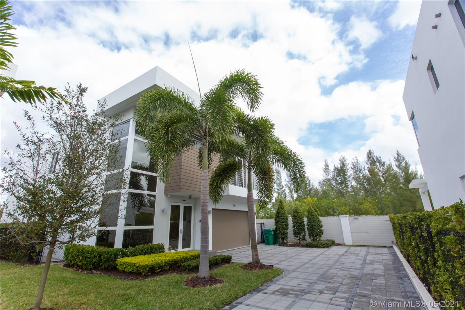 Doral Commons Residential - 7551 NW 97th Ct, Doral, FL 33178