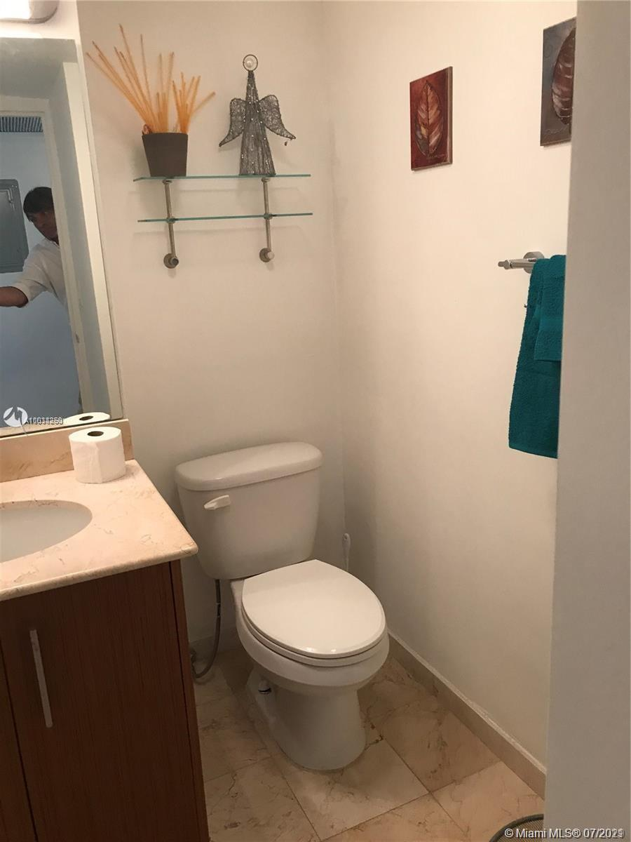 10275 Collins Ave #208 photo027