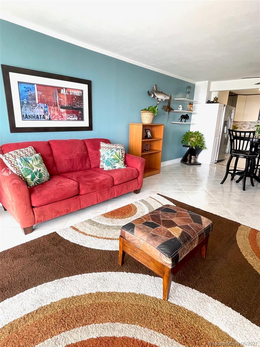 Del Prado #403 - 18071 Biscayne Blvd #403, Aventura, FL 33160