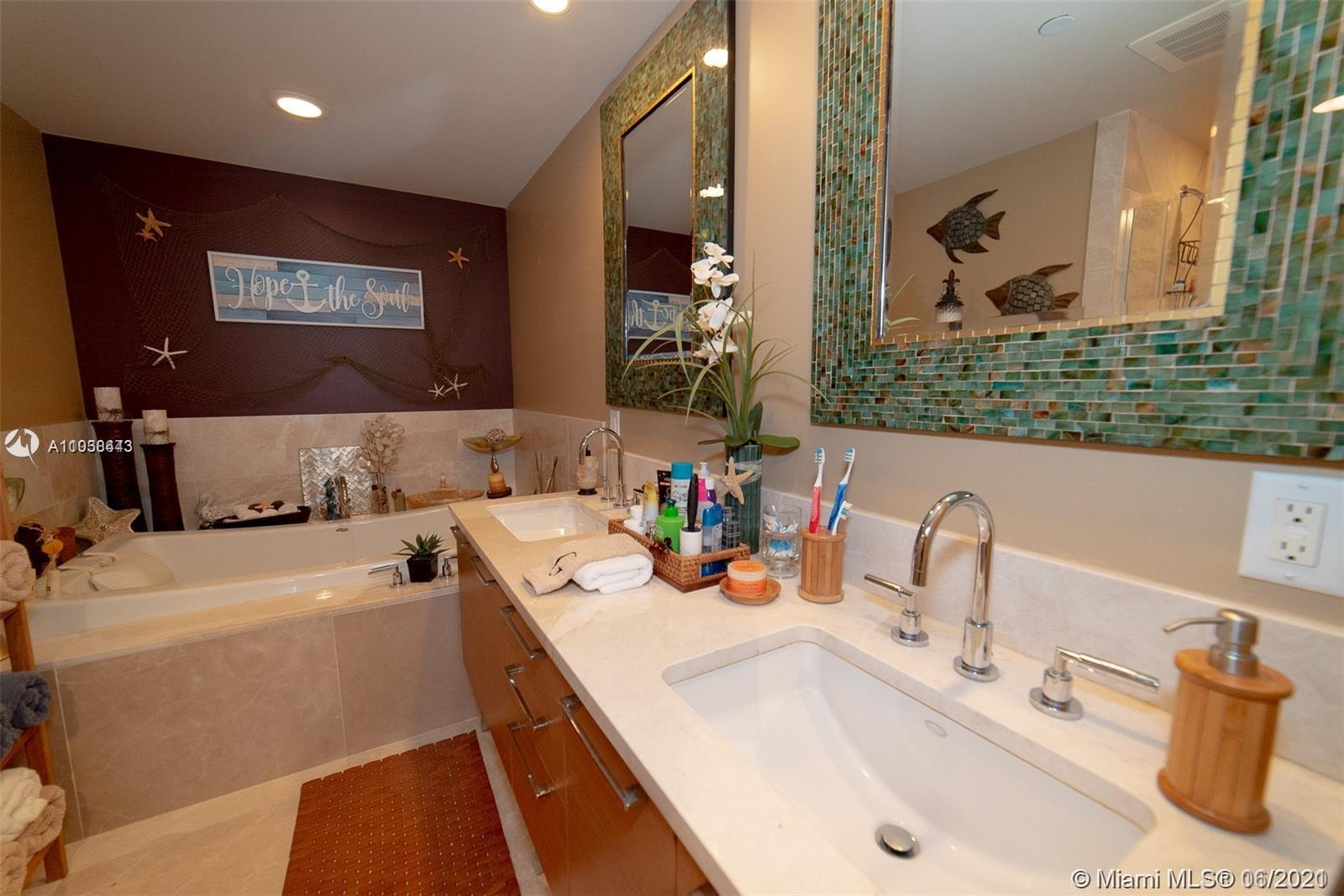 17001 Collins Ave #1403 photo08