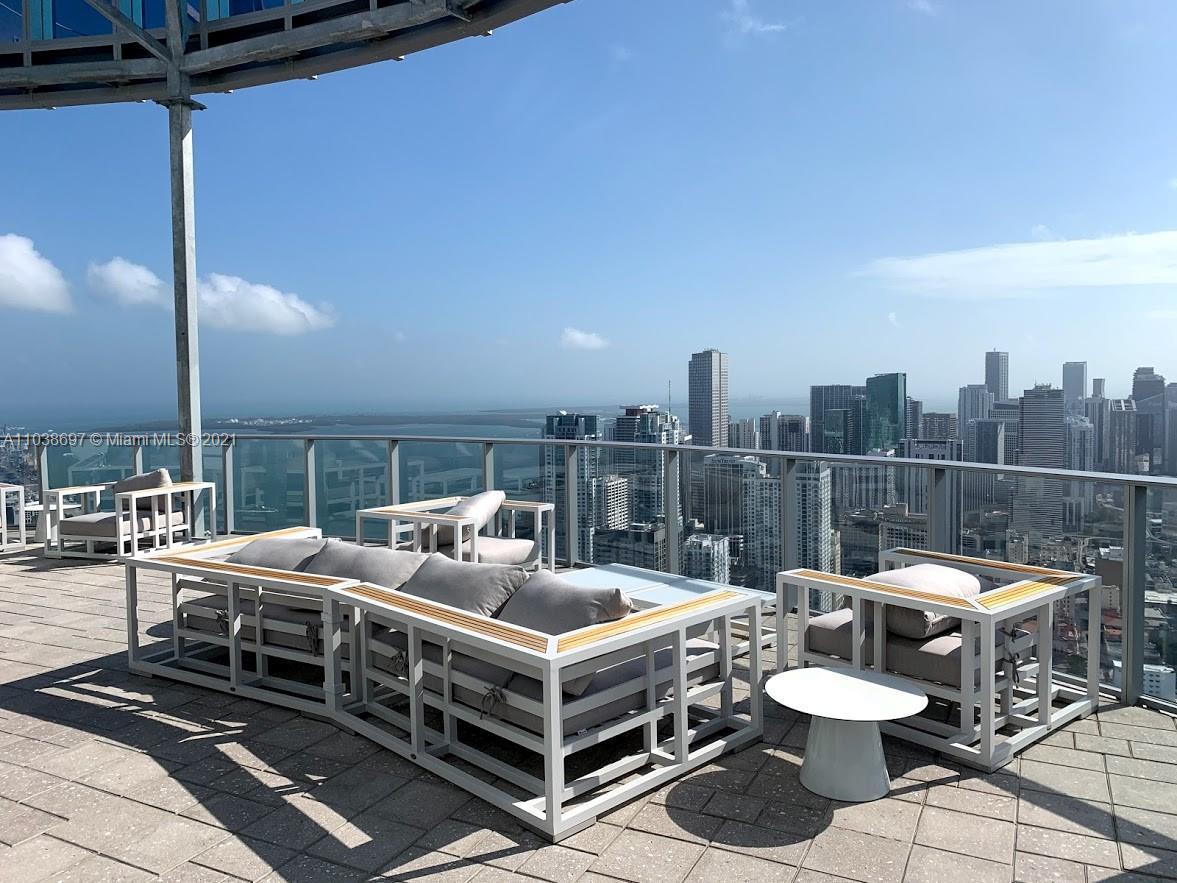 Paramount Miami Worldcenter #1208 - 02 - photo