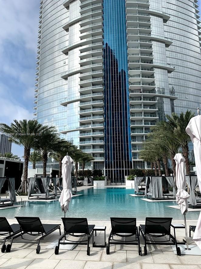 Paramount Miami Worldcenter #1208 - 03 - photo