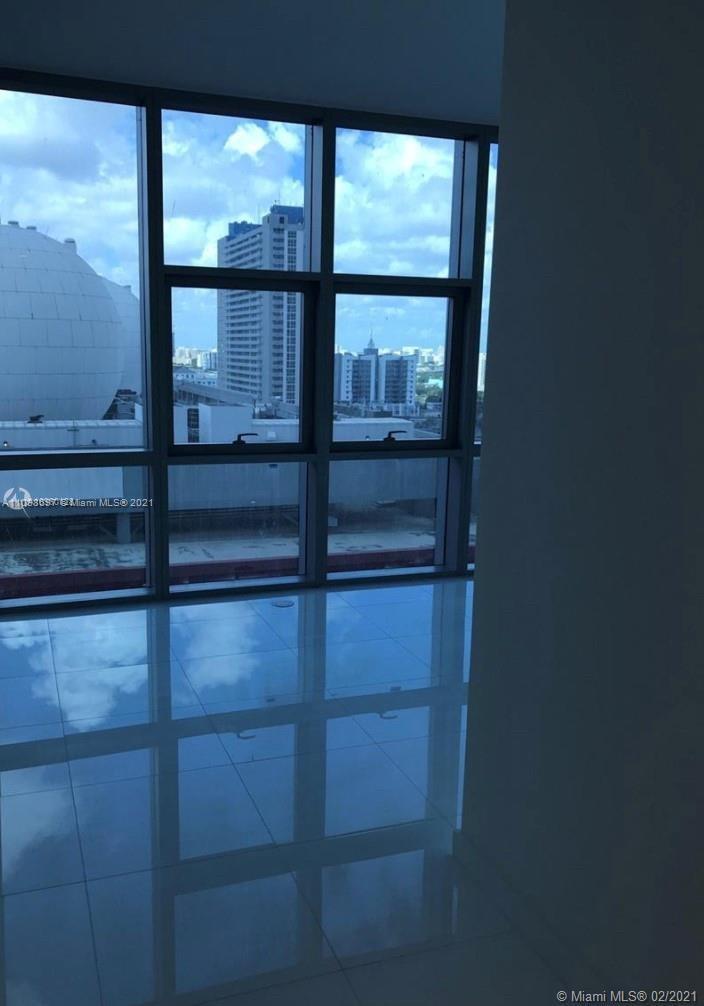 Paramount Miami Worldcenter #1208 - 37 - photo