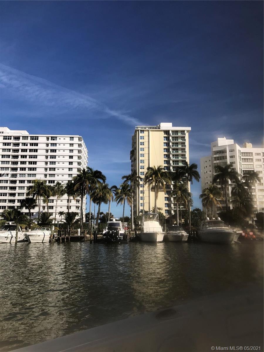 Carriage Club South Tower #15H - 5001 E Collins Ave #15H, Miami Beach, FL 33140