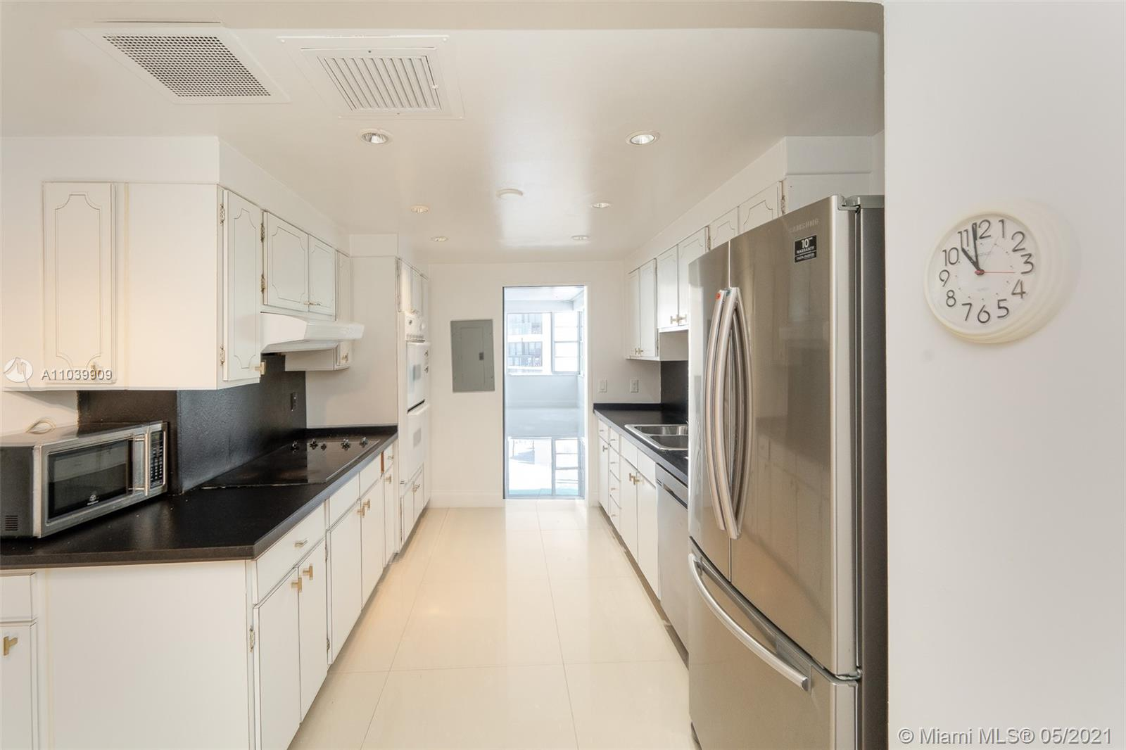 5255 Collins Ave #12A photo03