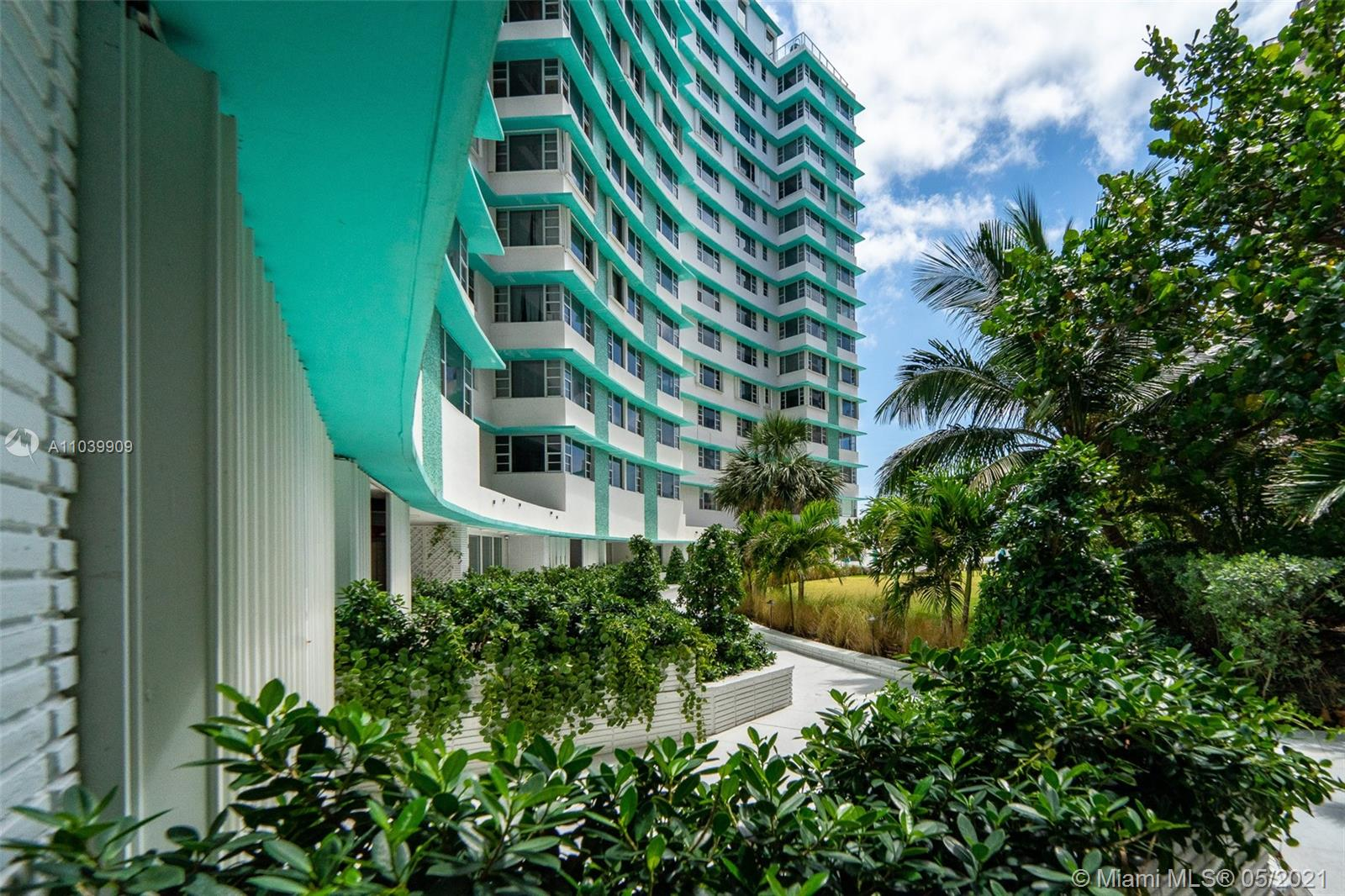 5255 Collins Ave #12A photo09