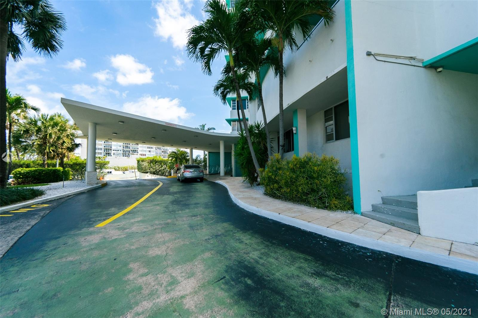 5255 Collins Ave #12A photo010