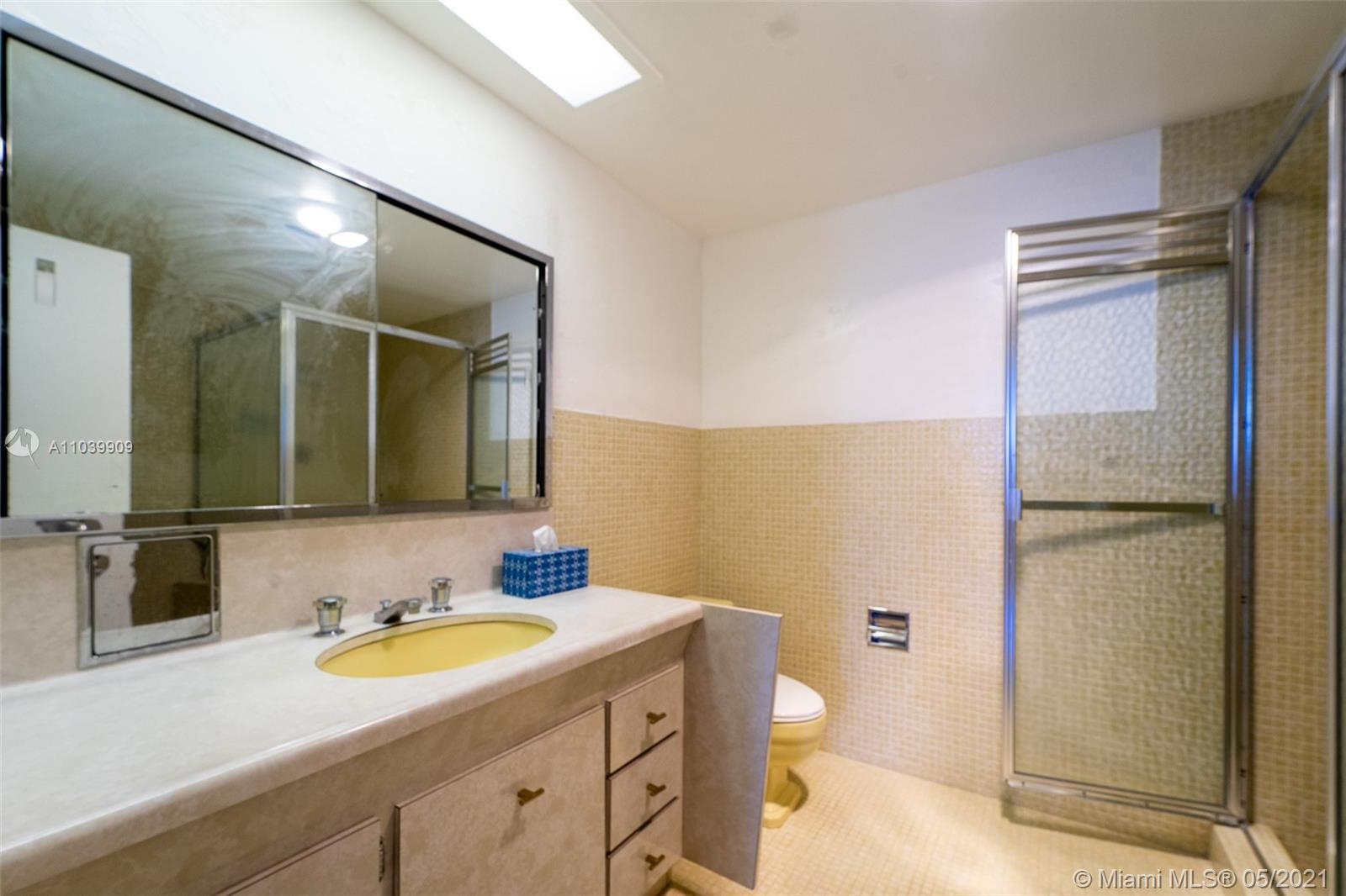 5255 Collins Ave #12A photo04