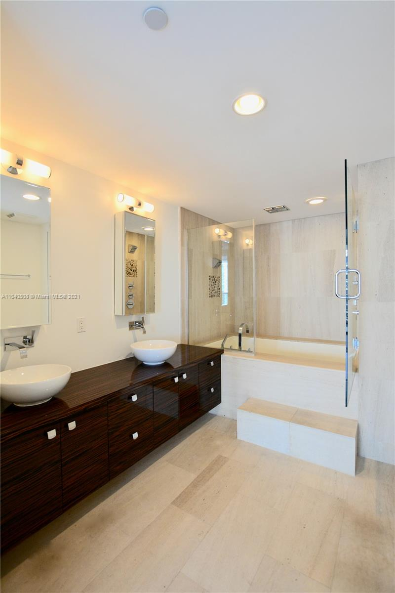 5875 Collins Ave #1803 photo07