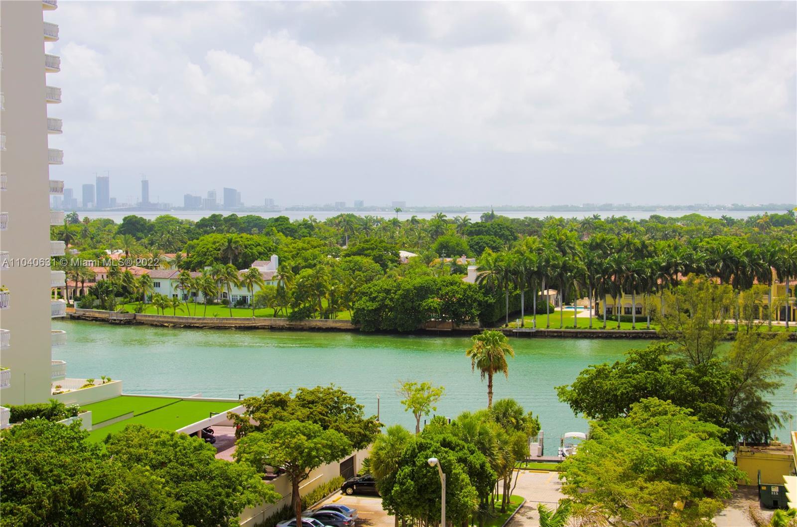 Oceanside Plaza #9T - 5555 Collins Ave #9T, Miami Beach, FL 33140