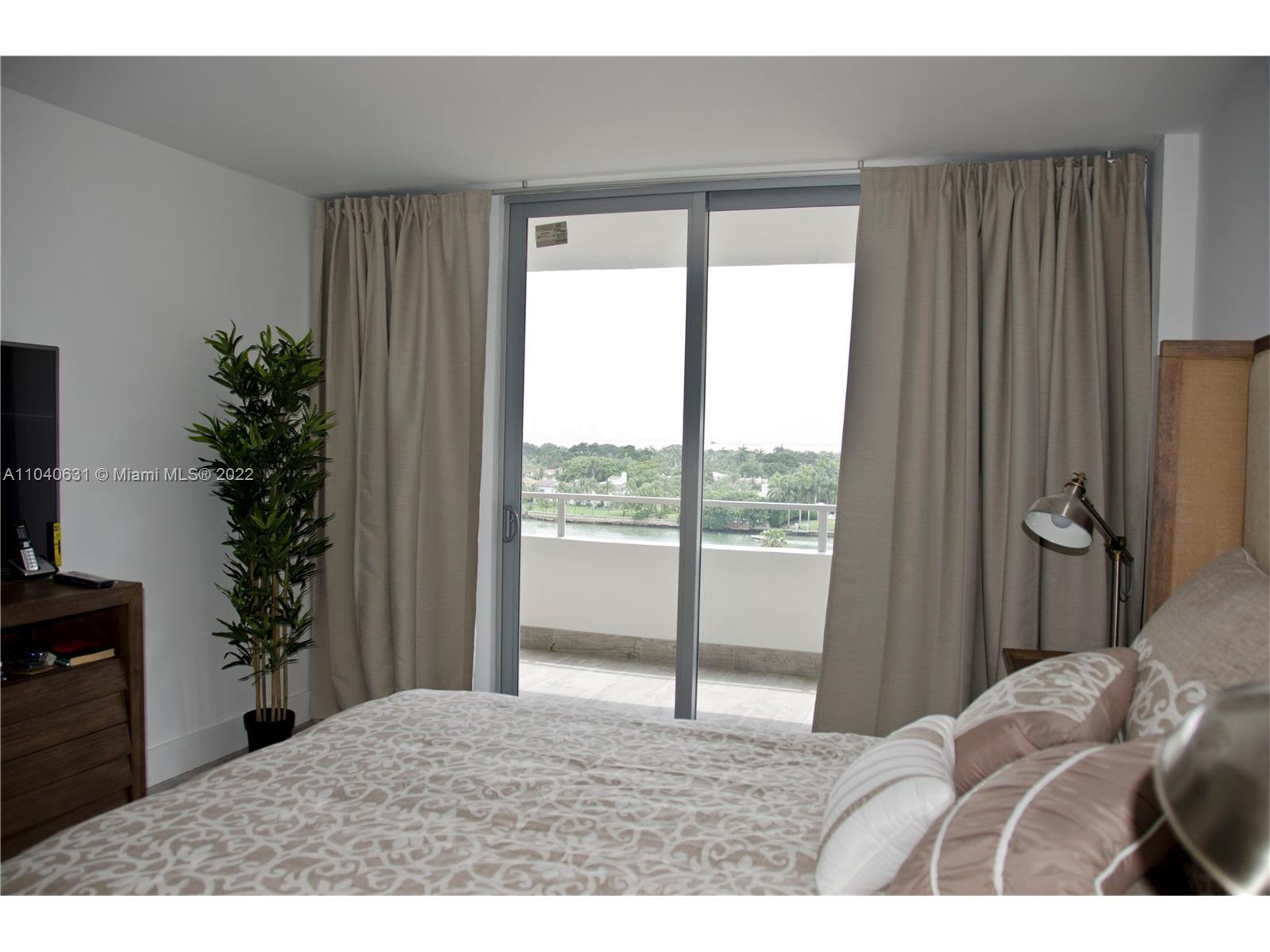 5555 Collins Ave #9T photo09