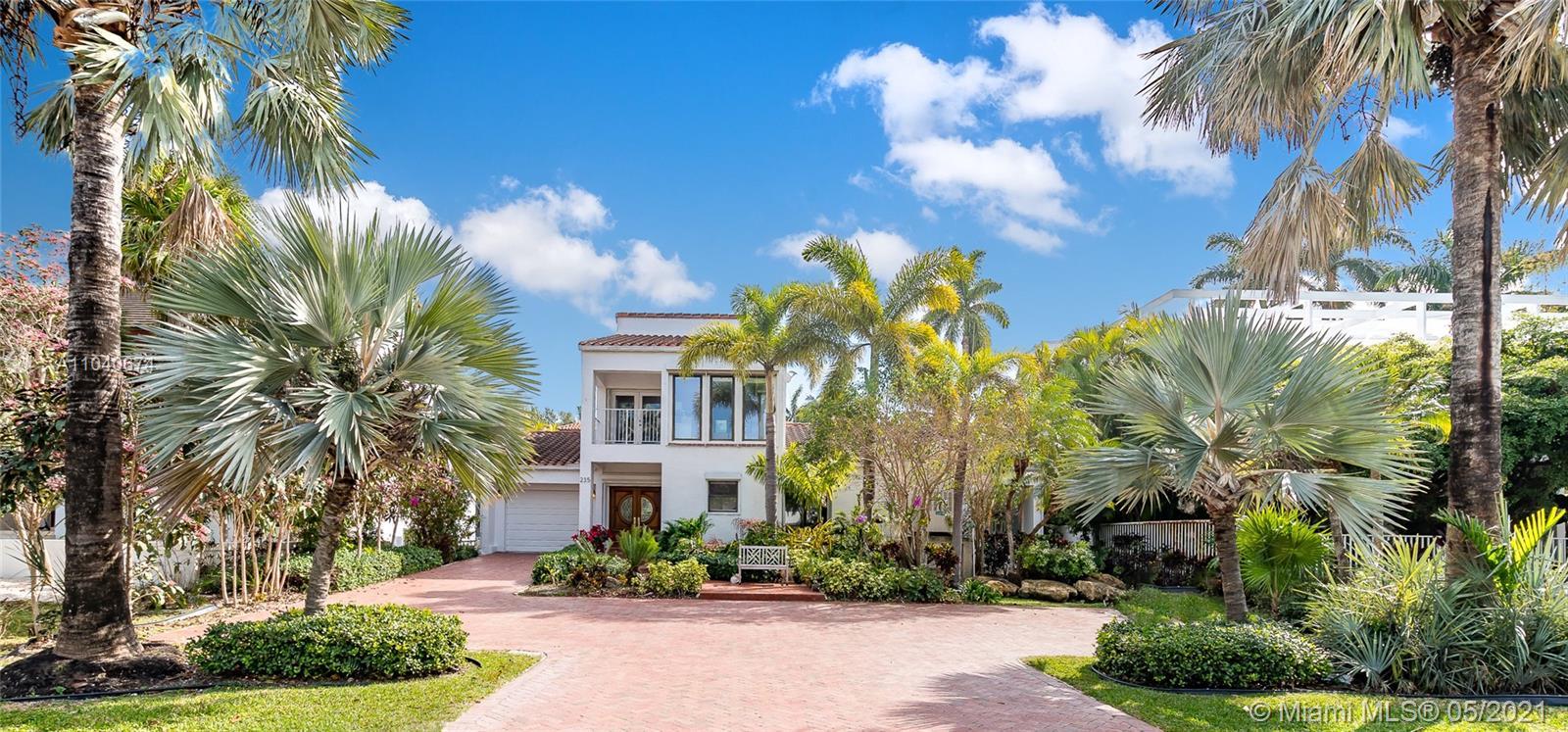 Tropical Isle Homes - 235 Harbor Drive, Key Biscayne, FL 33149
