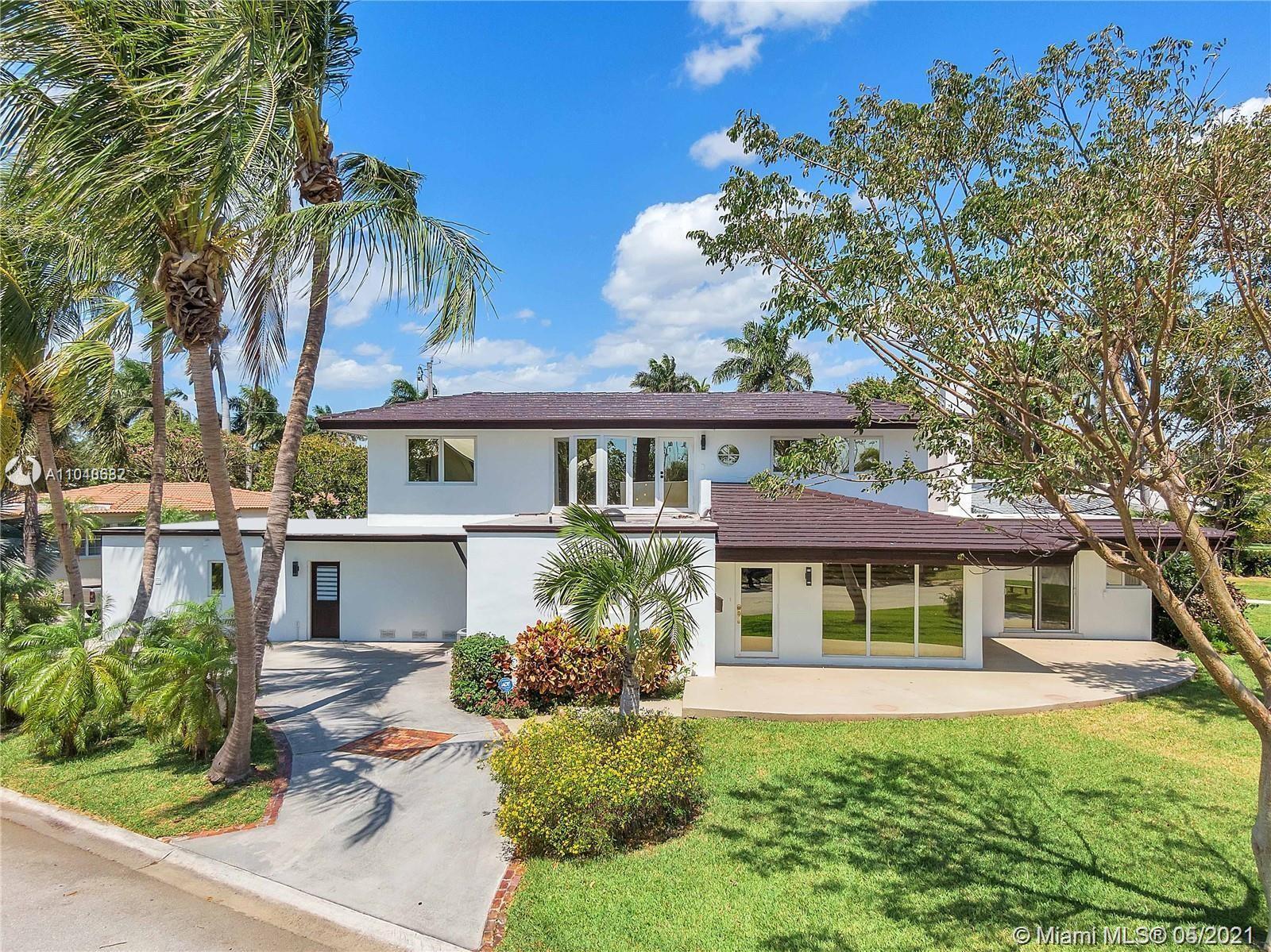 Hollywood Lakes - 911 N Northlake Dr, Hollywood, FL 33019