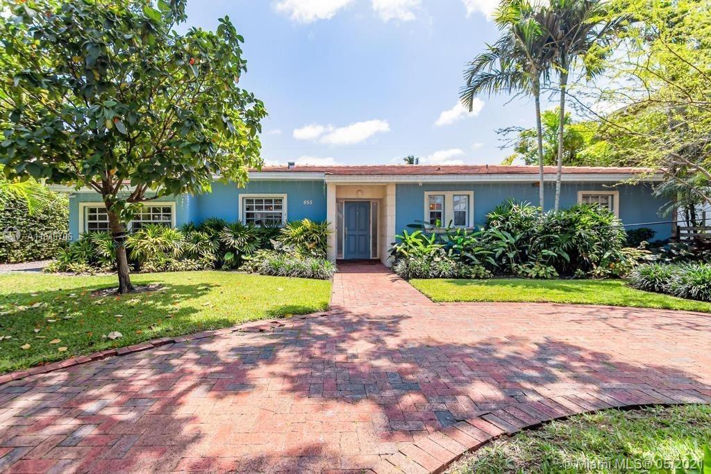 Biscayne Key Estates - 655 W Warren Ln, Key Biscayne, FL 33149