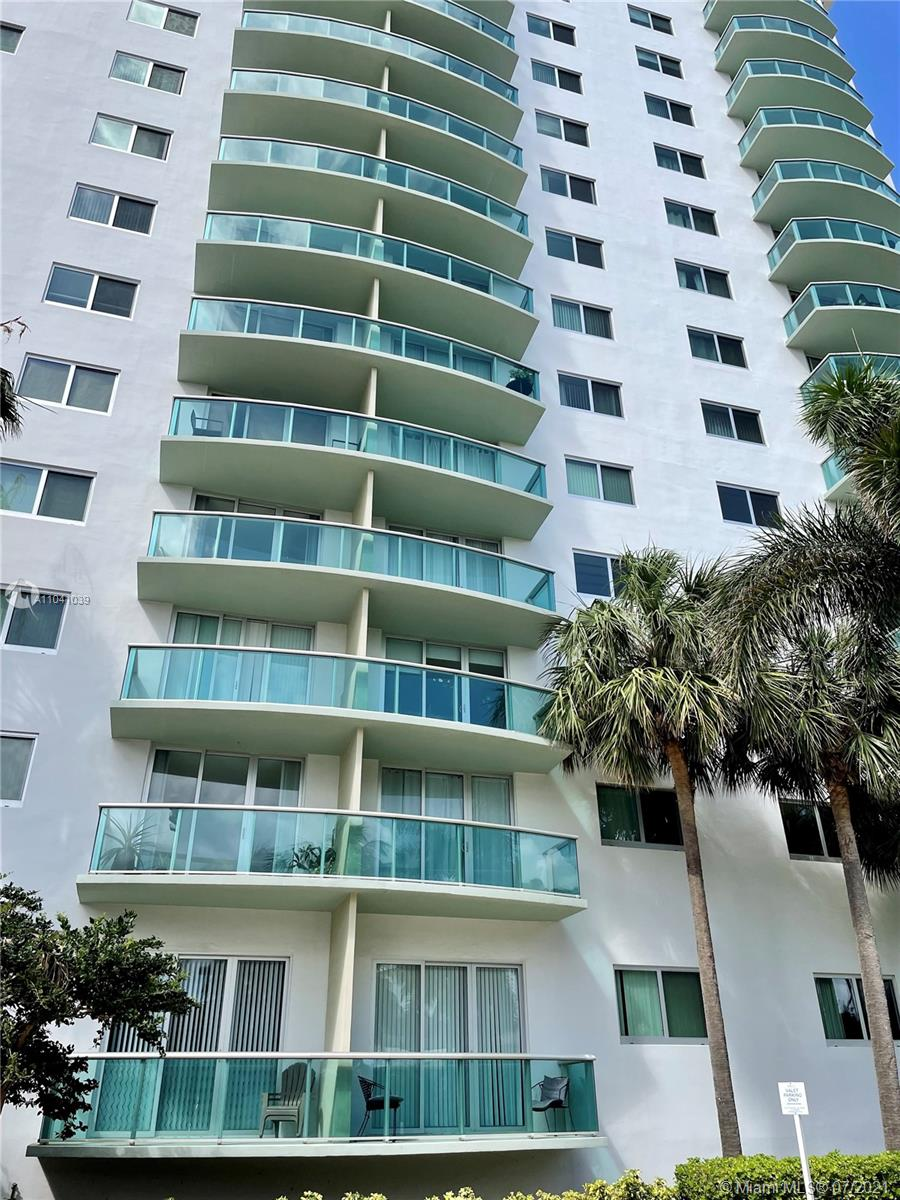 19380 Collins Ave #121 photo02