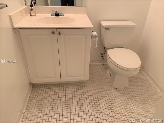 19380 Collins Ave #121 photo042