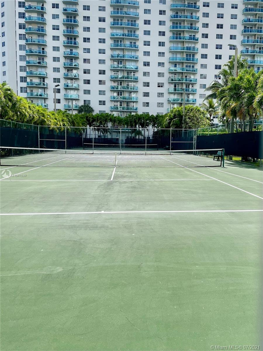 19380 Collins Ave #121 photo09