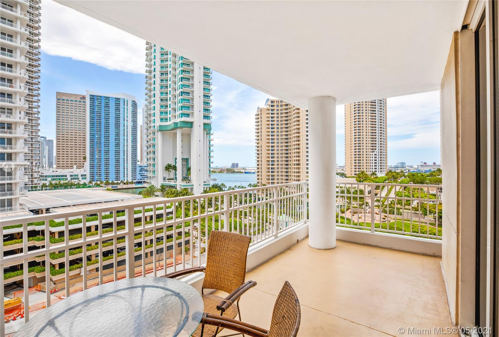 Courvoisier Courts #1009 - 701 Brickell Key Blvd #1009, Miami, FL 33131