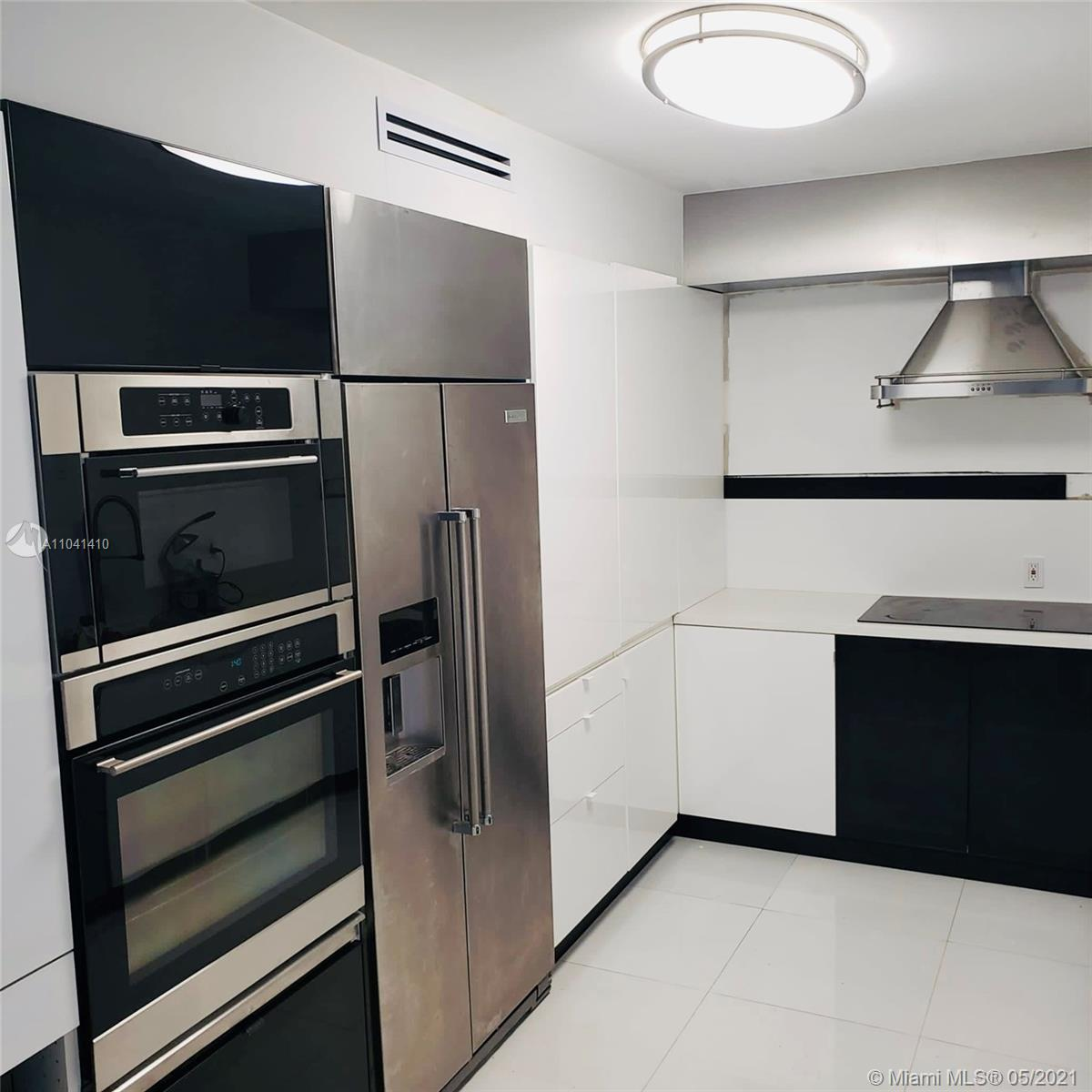 5825 Collins Ave #5H photo08