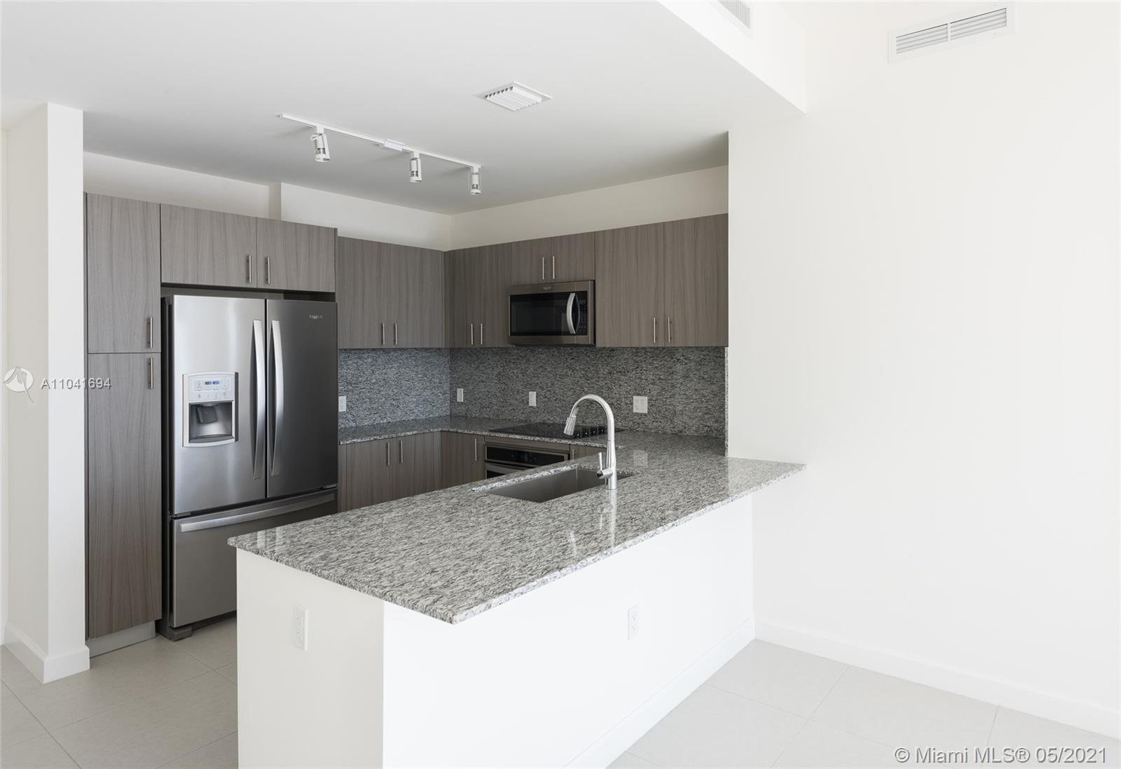 5350 Park #2013 - 5350 NW 84th Ave #2013, Doral, FL 33166