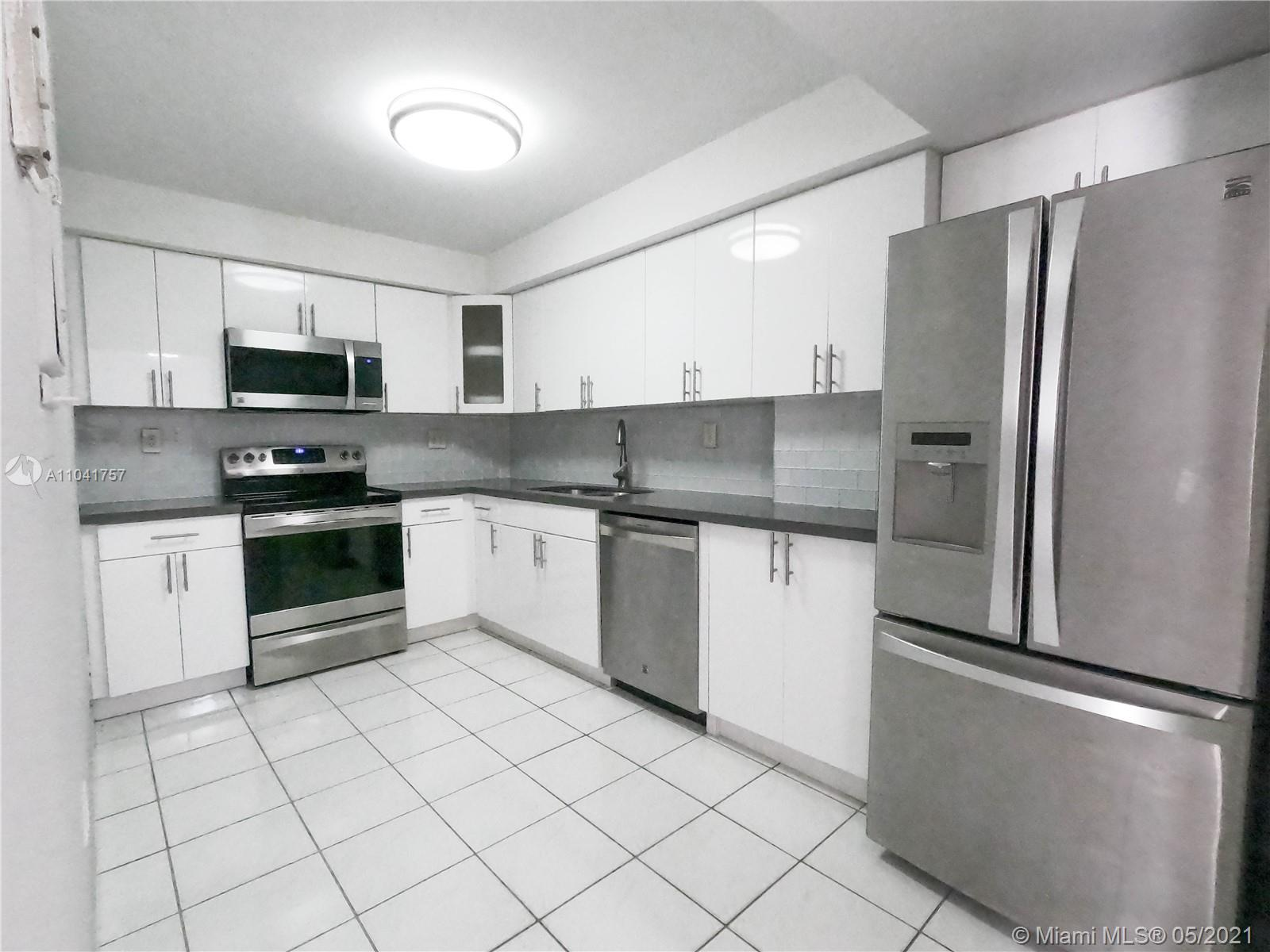 1621 Collins Ave #806 photo013