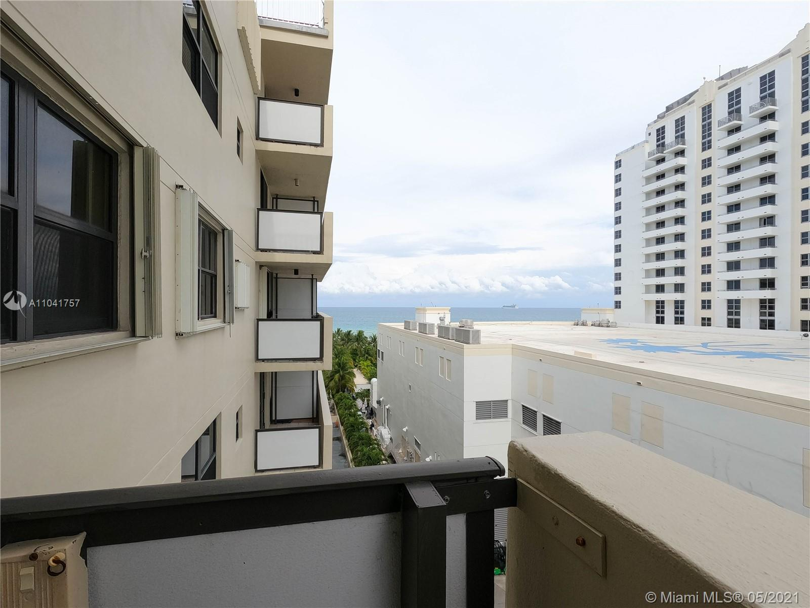 1621 Collins Ave #806 photo015