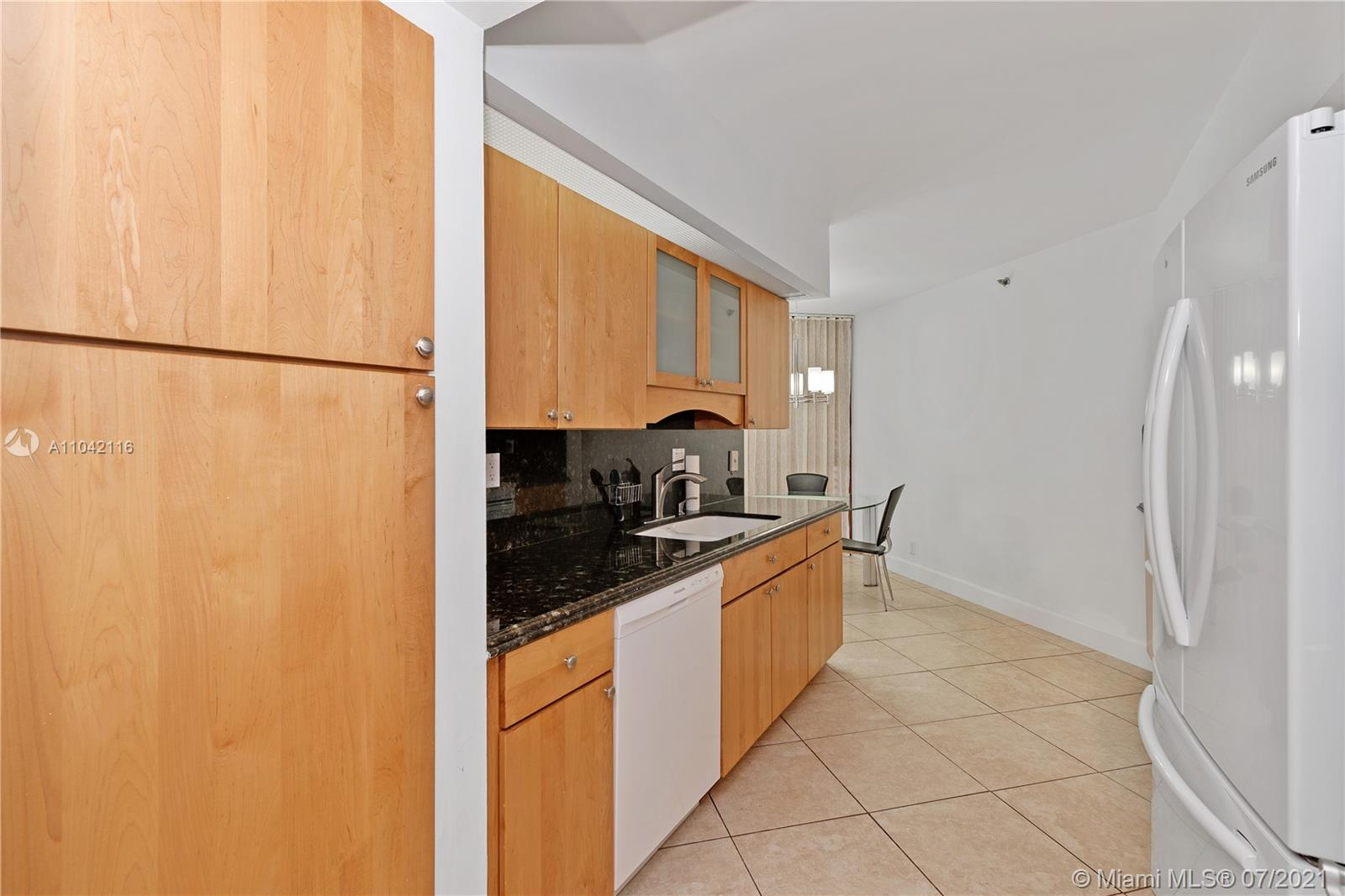 16425 Collins Ave #318 photo013
