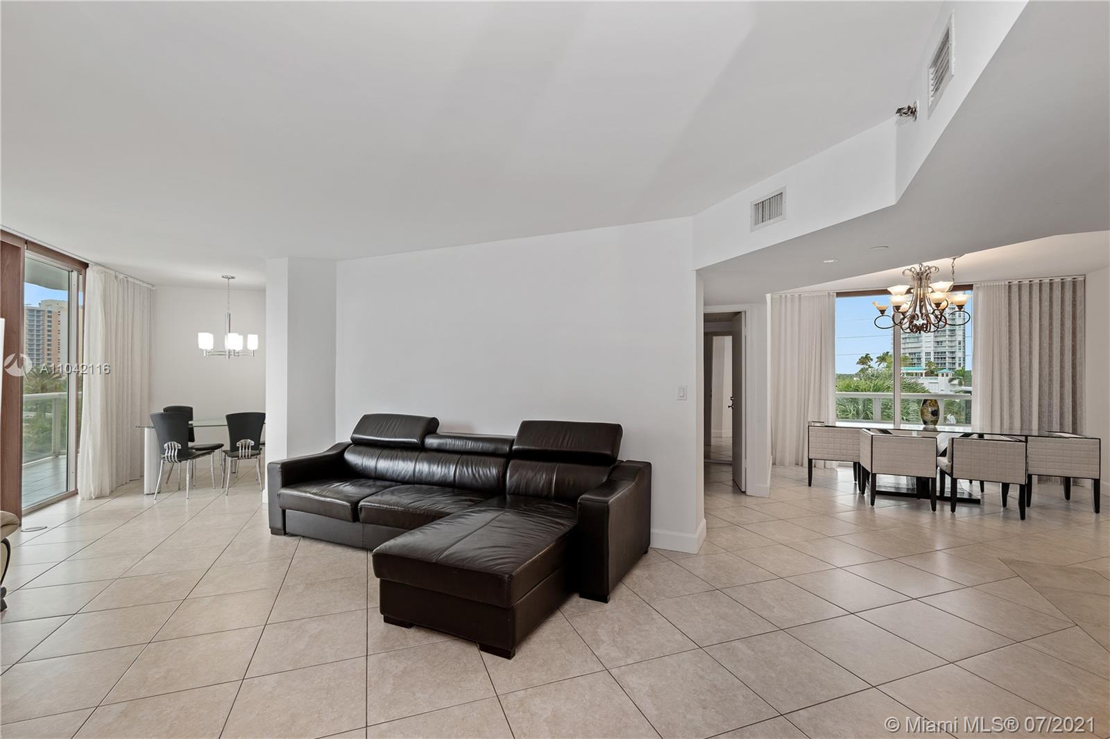 16425 Collins Ave #318 photo010