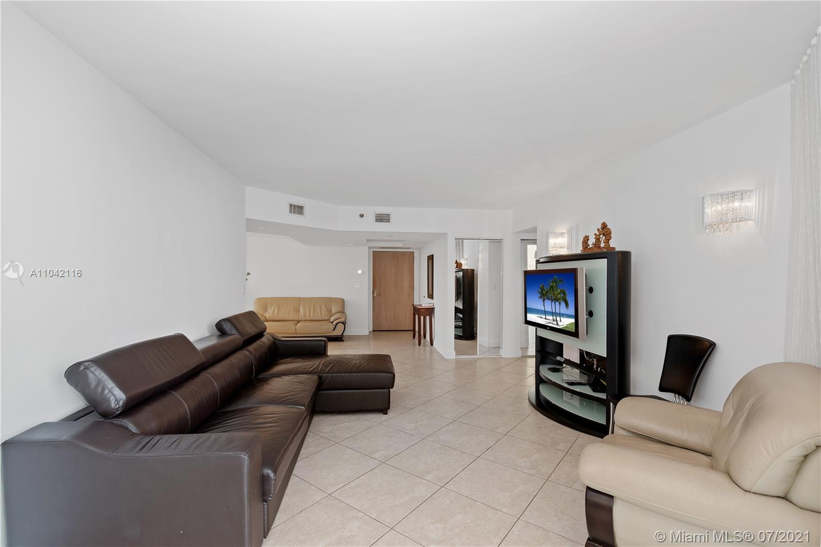 16425 Collins Ave #318 photo011