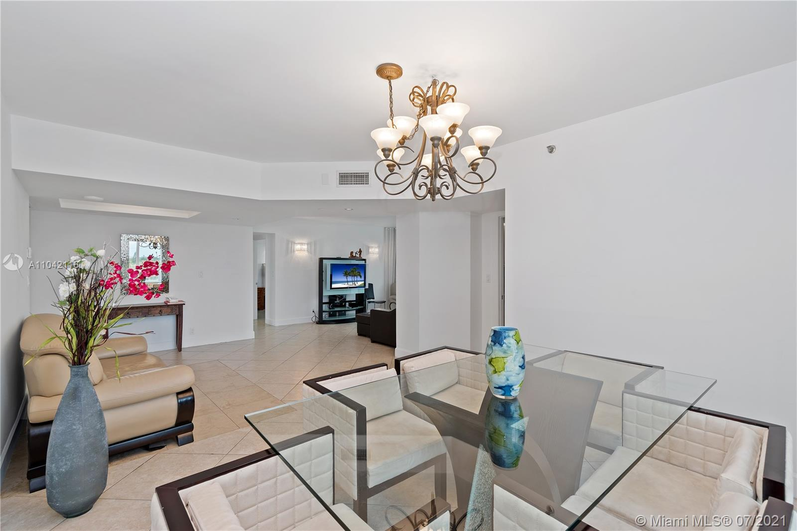 16425 Collins Ave #318 photo08