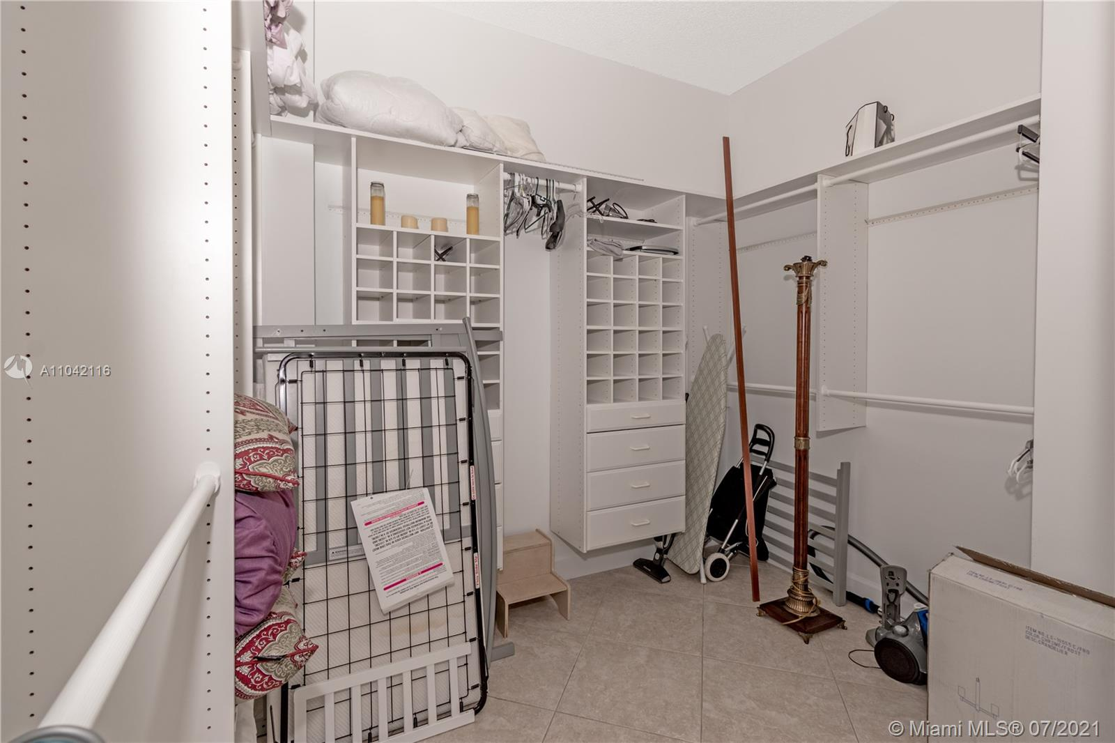 16425 Collins Ave #318 photo021