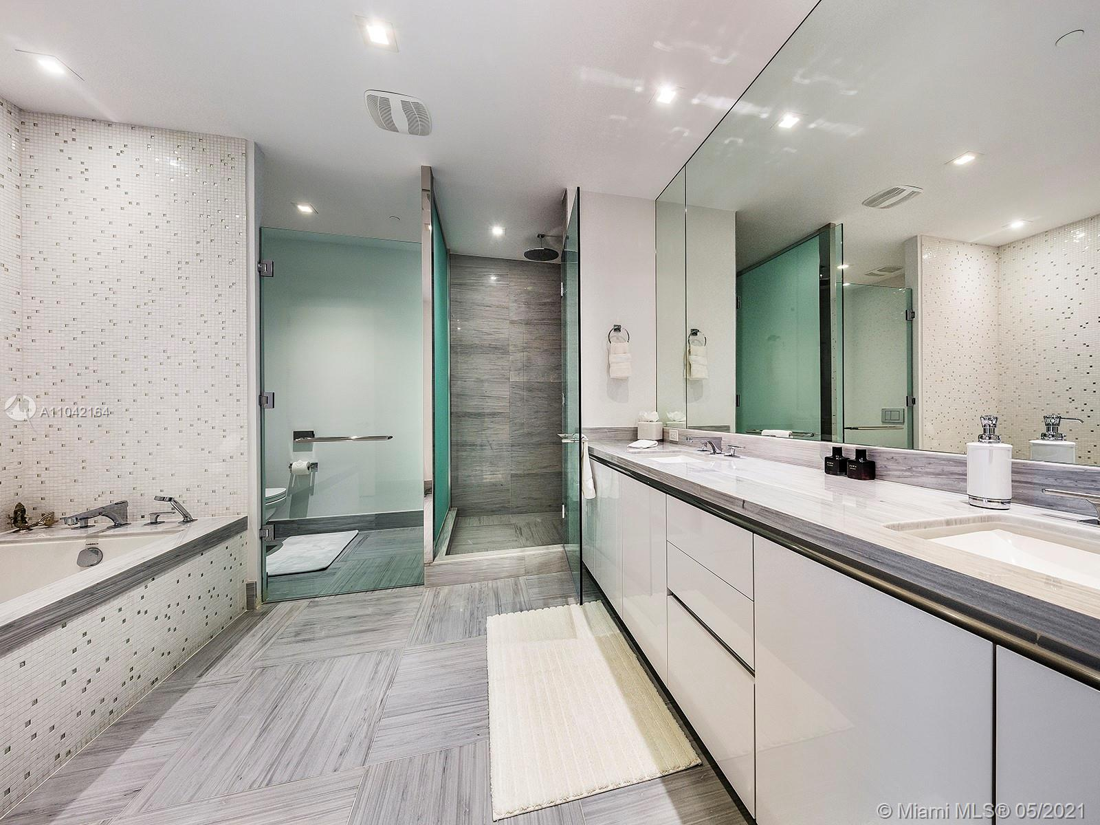 16901 Collins Ave #1203 photo013