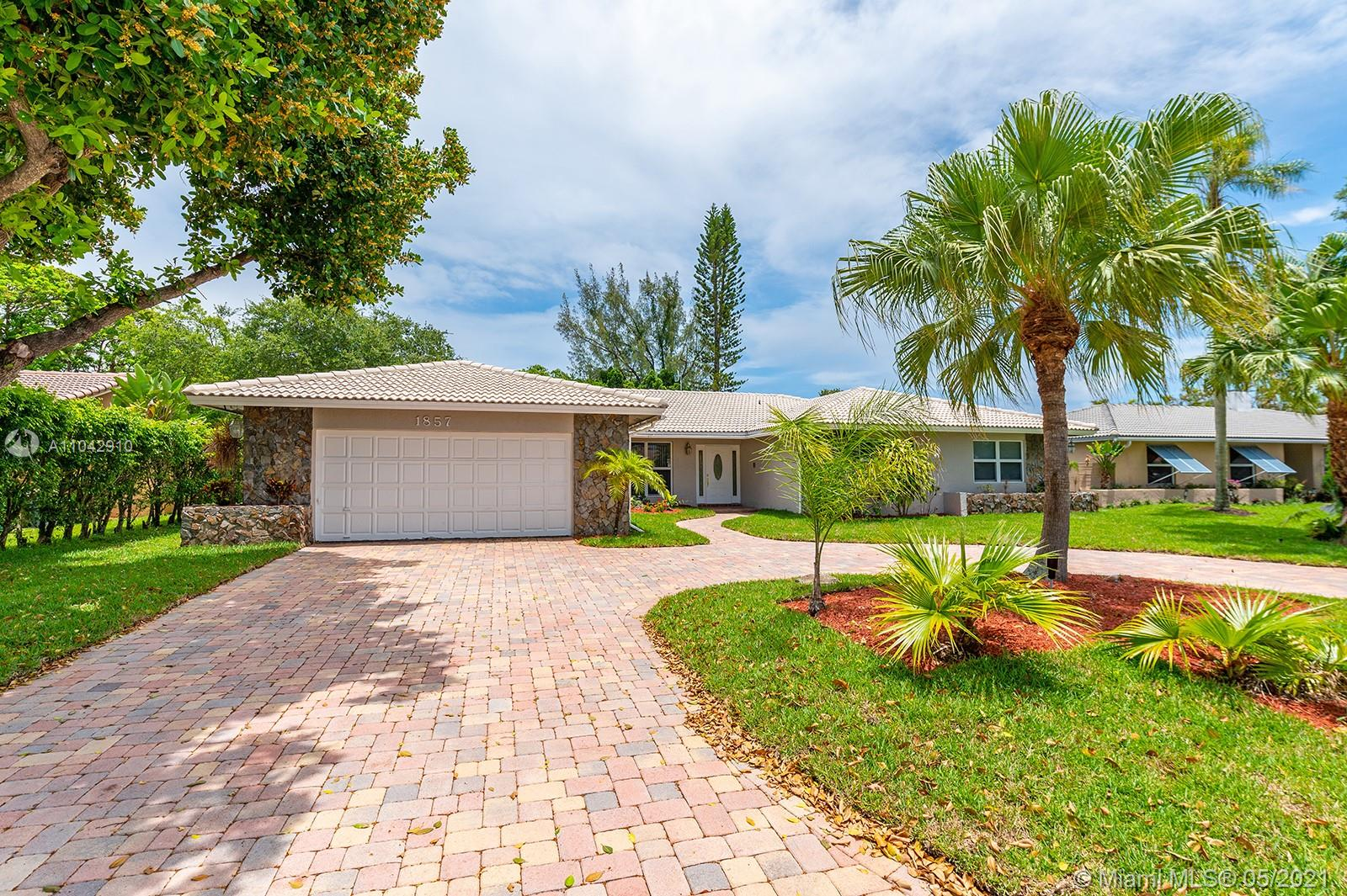 Property for sale at 1857 NW 104, Coral Springs,  Florida 33071