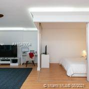 2301 Collins Ave #614 photo02