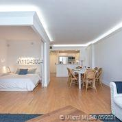 2301 Collins Ave #614 photo06