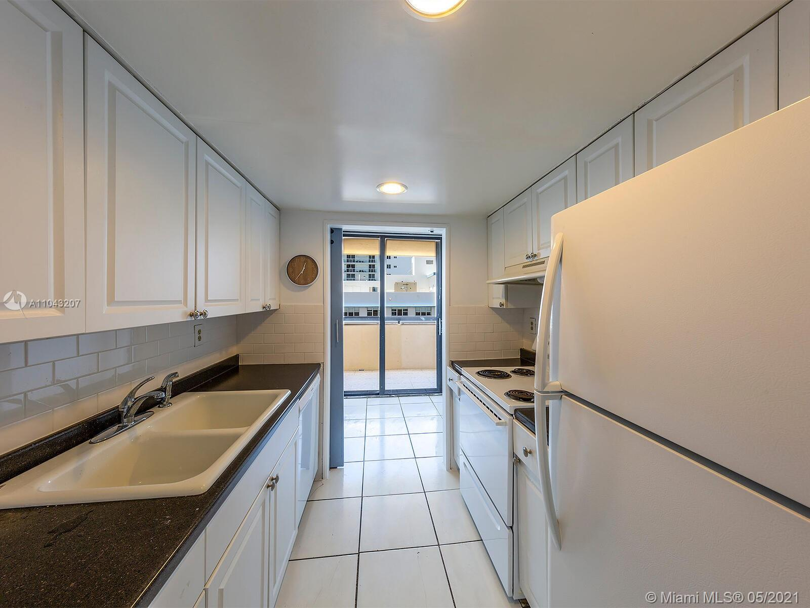 2555 Collins Ave #914 photo019