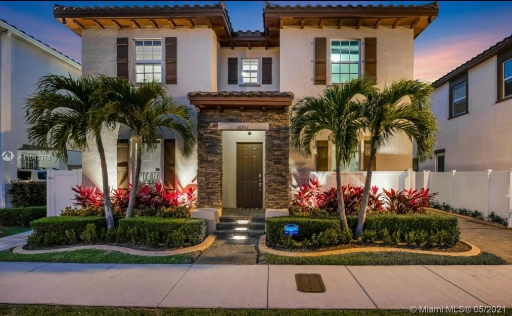 Kendall Commons - 16951 SW 90th Terrace Cir, Miami, FL 33196
