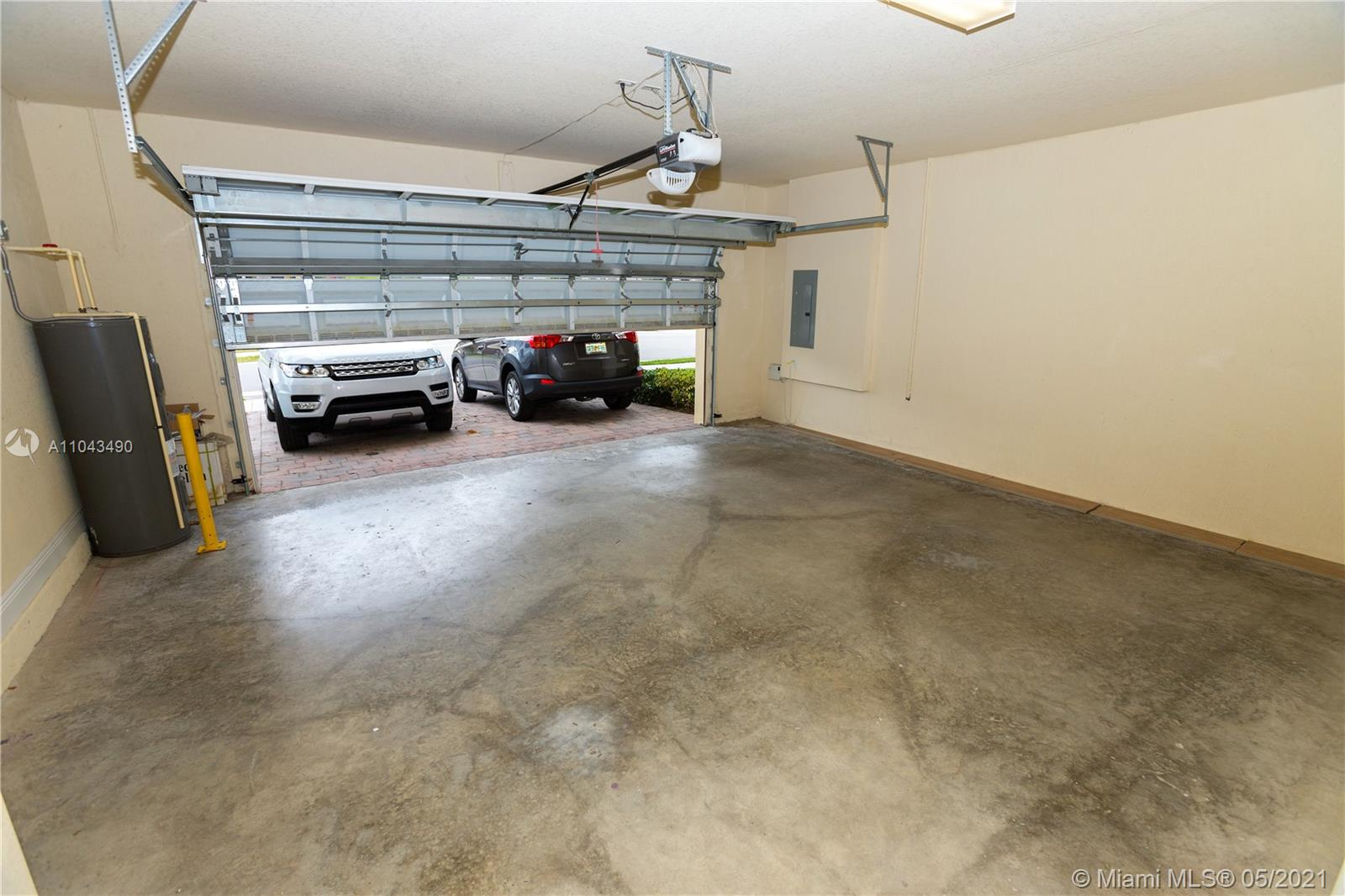 9852 NW 87 TER photo032