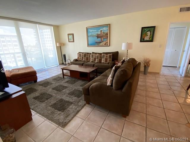 5601 Collins Ave #621 photo017