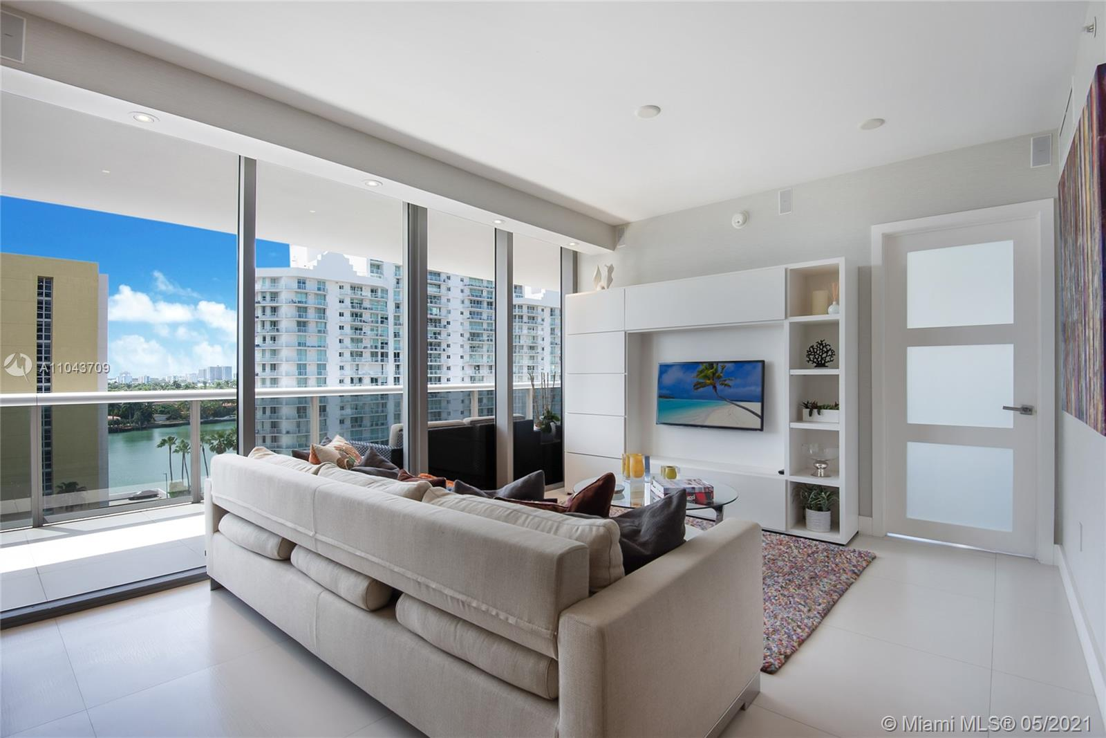5875 Collins Ave #907 photo03