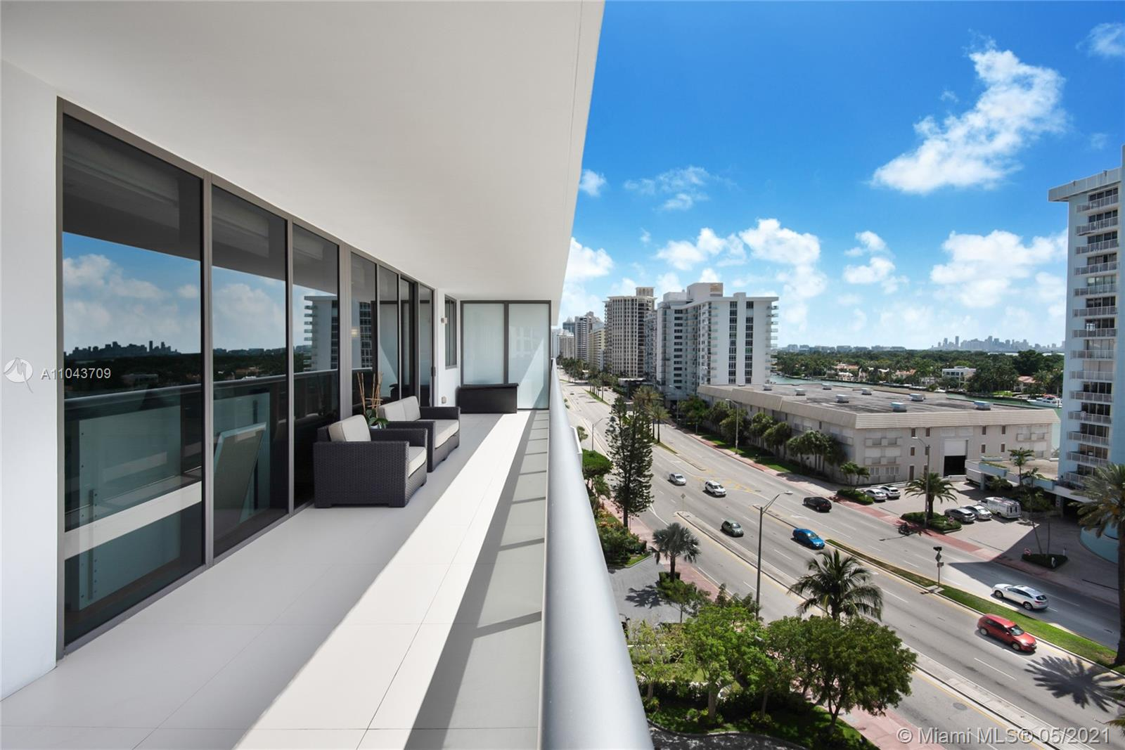 5875 Collins Ave #907 photo014