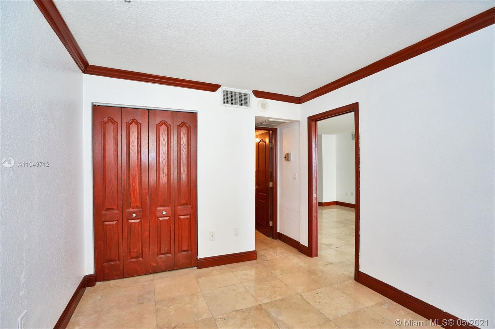 5701 Collins Ave #1212 photo012