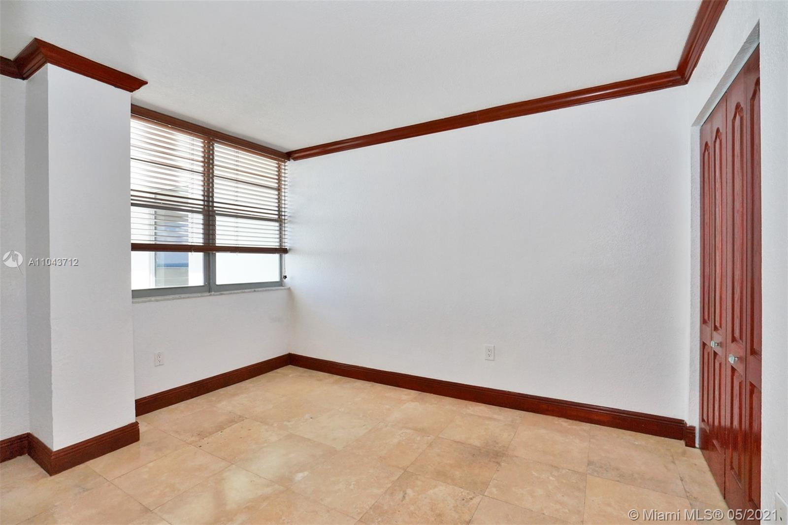 5701 Collins Ave #1212 photo011