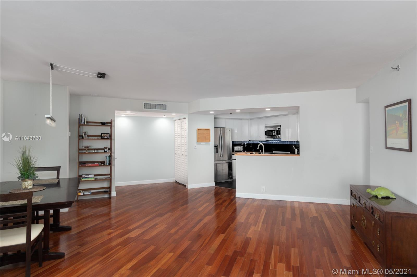 6767 Collins Ave #1101 photo04