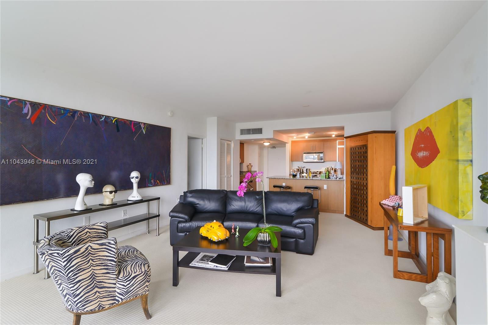 10275 Collins Ave #428 photo02