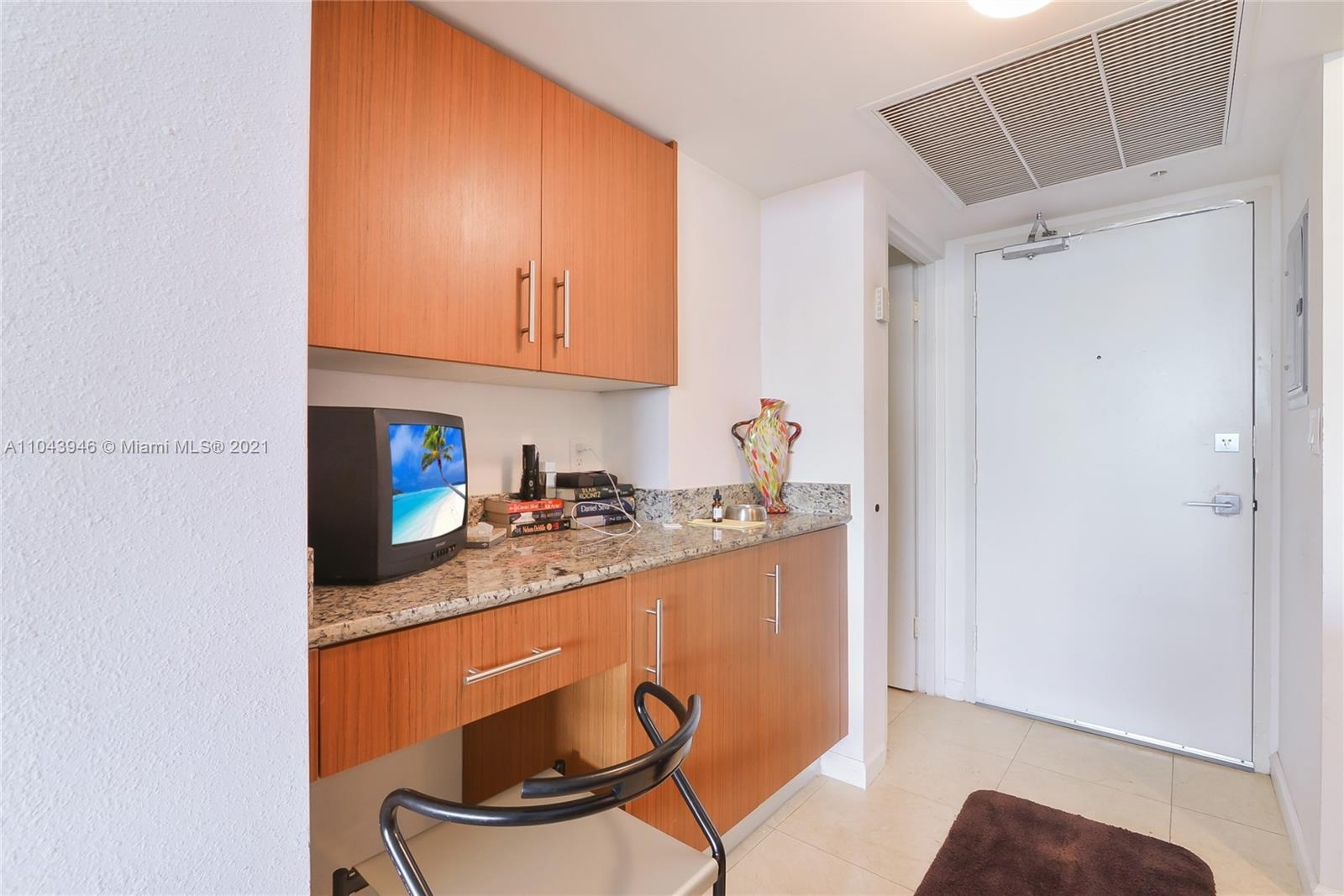 10275 Collins Ave #428 photo09