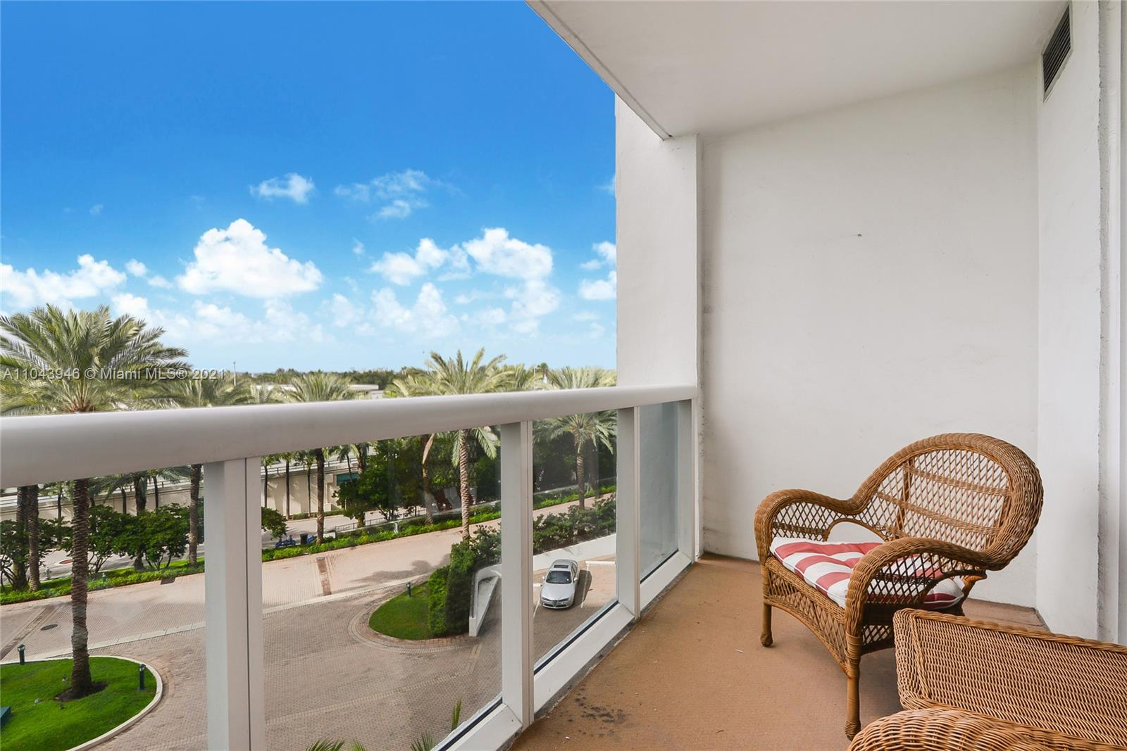 10275 Collins Ave #428 photo010