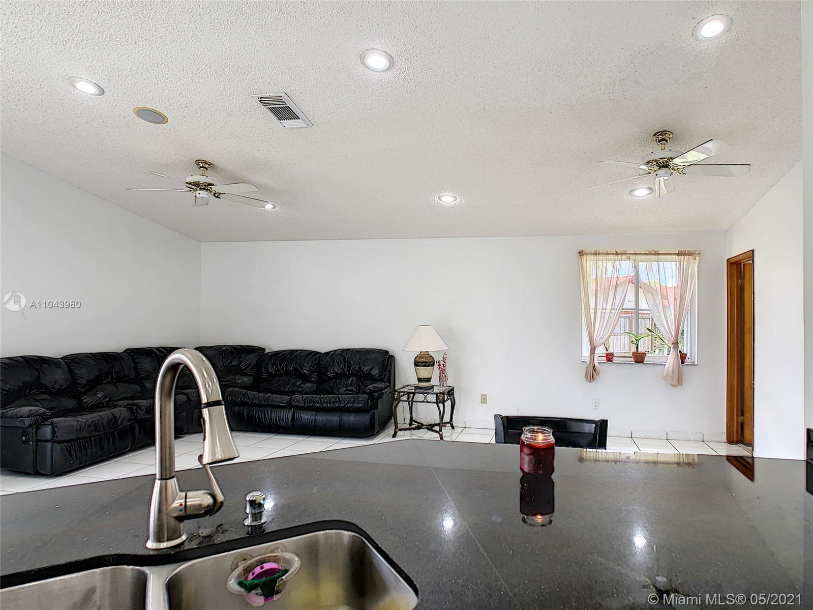 14825 SW 111th Ter photo014